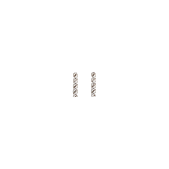 Silberne ALLTHELUCKINTHEWORLD Ohrringe PETITE EARRINGS TWISTED STRIP - large