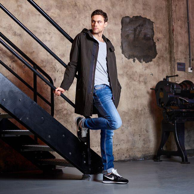 Schwarze NIKE Sneaker INTERNATIONALIST MEN - large
