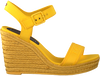 Gelbe TOMMY HILFIGER Sandalen COLORFUL TOMMY WEDGE SANDAL  - small
