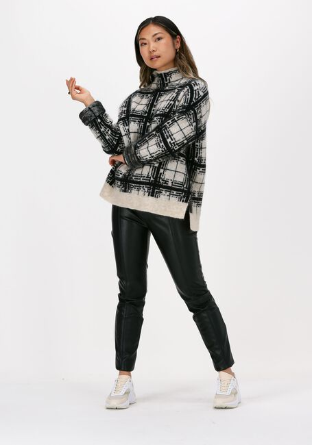 Schwarze SECOND FEMALE Pullover LOUISA KNIT T-NECK  - large