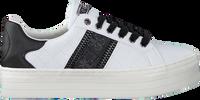 Weiße GUESS Sneaker low BARITT  - medium