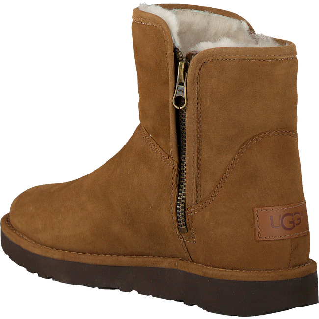 Camelfarbene UGG Winterstiefel ABREE MINI - large