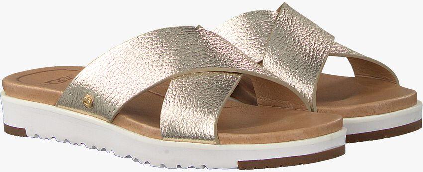 Goldfarbene UGG Pantolette KARI METALLIC  - larger