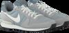 Graue NIKE Sneaker INTERNATIONALIST MEN - small